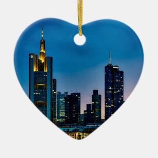 Skyline Frankfurts Deutschland Keramik Herz-Ornament