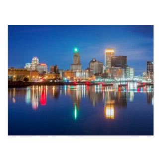 Skyline von Providence, RI Postkarte