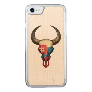 Slowakischer Flaggen-Stier-Schädel Carved iPhone 8/7 Hülle