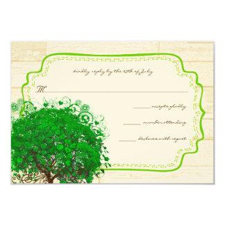 Smaragdherz-Blatt-Baum-Scheunen-hölzernes Hochzeit Karte