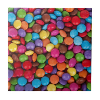 Smarties-mehrfarbige Süßigkeiten Kleine Quadratische Fliese