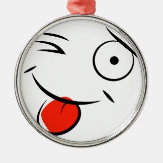 Smiley, der heraus Zunge haftet. Himbeergesicht Silbernes Ornament