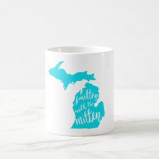 Smitten mit der Handschuh-Tasse Kaffeetasse
