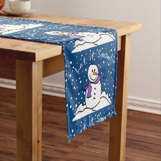 Snowman ließ es schneien Tabellen-Läufer Kurzer Tischläufer