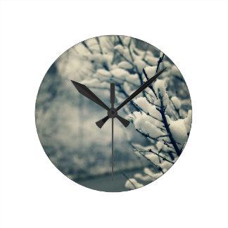 Snowy-Baum-Mausunterlage Runde Wanduhr