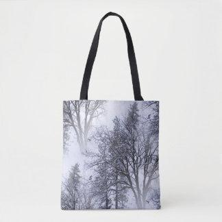 Snowy-Tag in den Bäumen… Tasche
