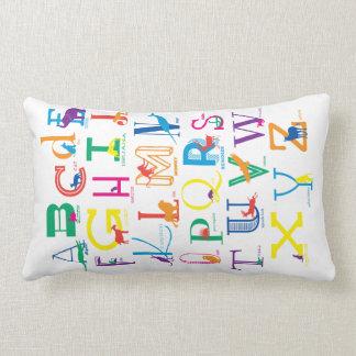 Snuggle das Alphabet mit hellen Farben Lendenkissen