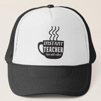 Sofortiger Lehrer. Addieren Sie einfach Kaffee Truckerkappe