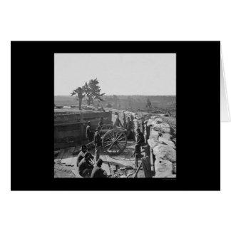 Soldaten in einem gefangengenommenen Fort nahe Karte
