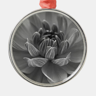 Sommer-Blumen-Schwarzweiss-Art Rundes Silberfarbenes Ornament