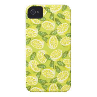 Sommer-gelbe Zitronenscheiben und -Blätter auf iPhone 4 Cover