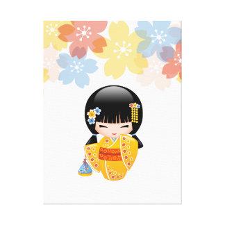 Sommer Kokeshi Puppe - gelbes Leinwanddruck