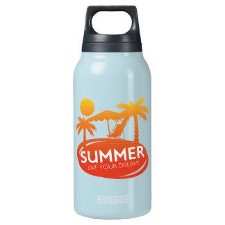 Sommer - leben Ihr Traum Isolierte Flasche