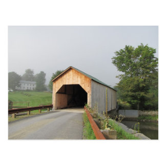 Sommer-Morgen an Ostfairfield-überdachter Brücke Postkarte