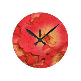 Sommer-Rote Rosen Runde Wanduhr