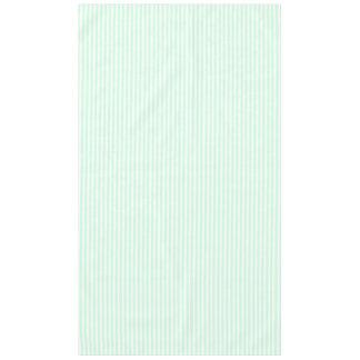 Sommer-tadellose blasse e-grün Minze u. weißer Tischdecke