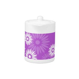 Sommerzeit-violetter Tee-Topf