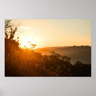 Sonnenaufgang am Bergwert-Plakat-Papier (Matt) Poster