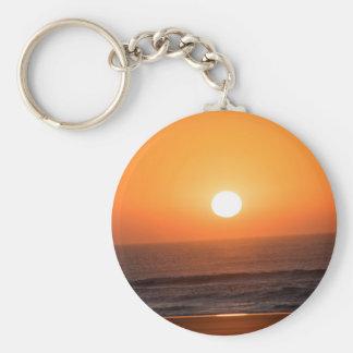 Sonnenaufgang auf der Atlantik-Küste Schlüsselanhänger