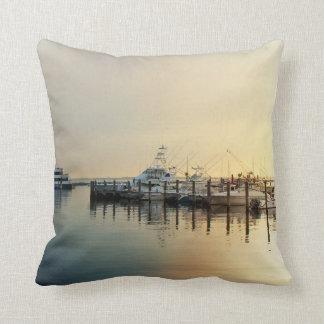 Sonnenaufgang - Boote im Hafen - atlantische Kissen