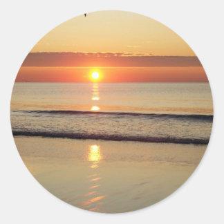 Sonnenaufgang entlang Hampton-Strand-New Hampshire Runder Aufkleber