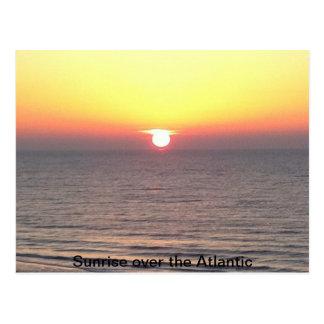Sonnenaufgang über dem Atlantik Postkarte