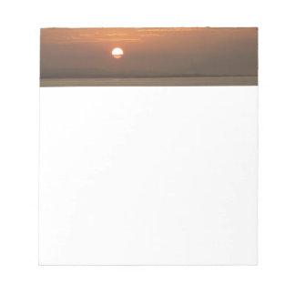 Sonnenaufgang über Meerblick Arubas I Karibisches Notizblock