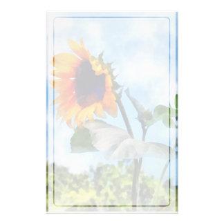 Sonnenblume gegen den Himmel Briefpapier