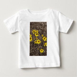 Sonnenblume im felsigen Berg Baby T-shirt