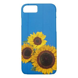 Sonnenblumen gegen blauen Zaun iPhone 8/7 Hülle