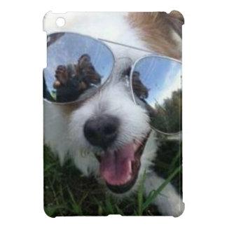 Sonnenbrille auf Hund-VIEL VERSPRECHENDER ZUKUNFT iPad Mini Hülle