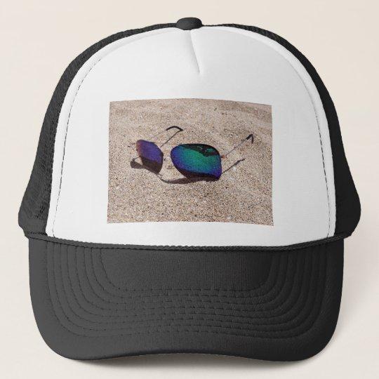 Sonnenbrille Truckerkappe
