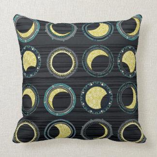 Sonnenfinsternis-Mandala Kissen