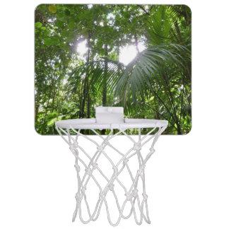Sonnenlicht durch mini basketball netz