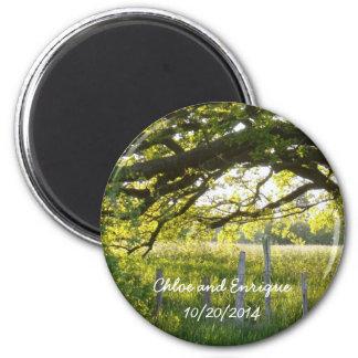 Sonnenlicht und Baum-personalisierte Hochzeit Runder Magnet 5,1 Cm