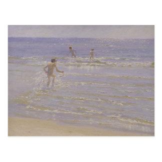 Sonnenschein bei Skagen: Schwimmende Jungen, 1892 Postkarte