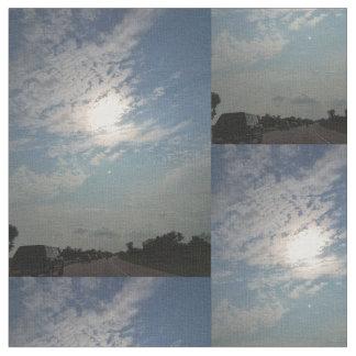 Sonnenschein mit Wolken Stoff