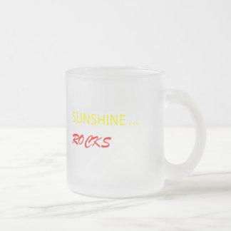 """""""Sonnenschein schaukelt"""" mattierte Tasse 10oz"""