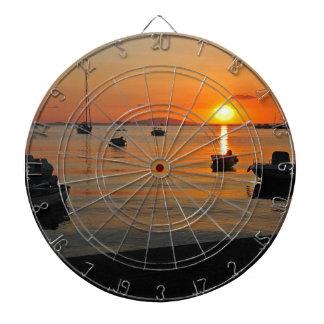 Sonnenuntergang am Hafen von Novalja n iKroatien Dartscheibe