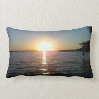 Sonnenuntergang auf Bayou-Schwarzem, Morgan-Stadt, Lendenkissen