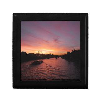 Sonnenuntergang auf dem Fluss die Seine Geschenkbox