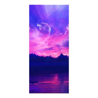 Sonnenuntergang auf dem Horizont Vollfarbige Werbekarte