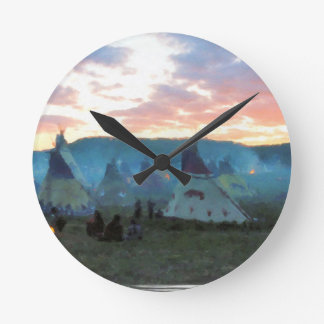 Sonnenuntergang auf dem Lager Runde Wanduhr