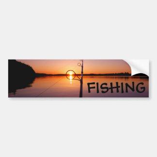 Sonnenuntergang auf einem Sommersee gesehen durch Autoaufkleber