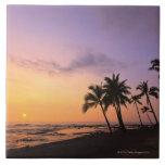 Sonnenuntergang auf Kahaluu Bucht in Kona, Hawaii  Fliese