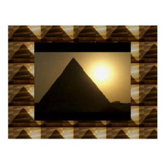 Sonnenuntergang durch PYRAMIDEN von Ägypten: Postkarte