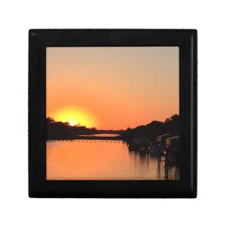 Sonnenuntergang-Fluss Erinnerungskiste