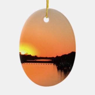 Sonnenuntergang-Fluss Keramik Ornament