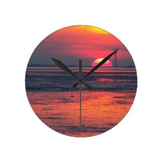 Sonnenuntergang Friesland Runde Wanduhr