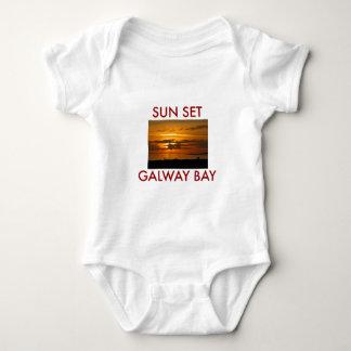 Sonnenuntergang-Galway-Bucht Baby Strampler